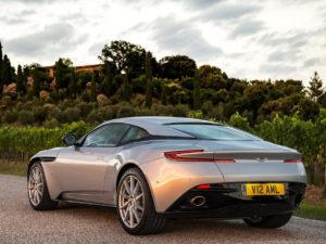 Los innovadores sistemas multimedia del Aston Martin DB11