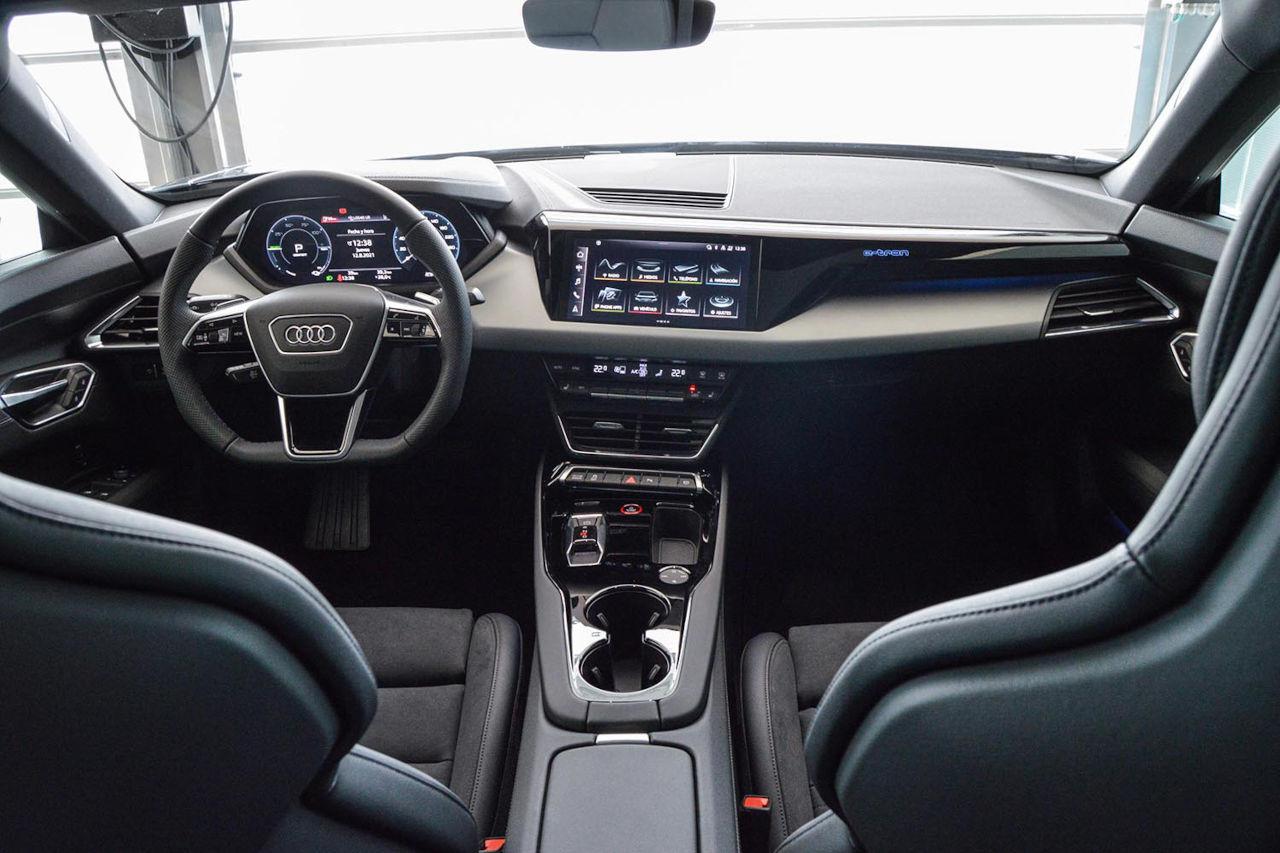 Motorsol Sant Boi entrega su primer Audi e-tron GT